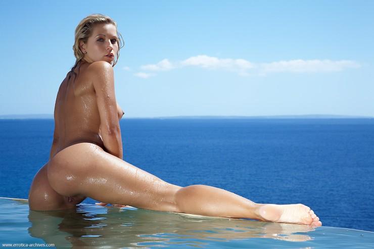 Jenni na praia