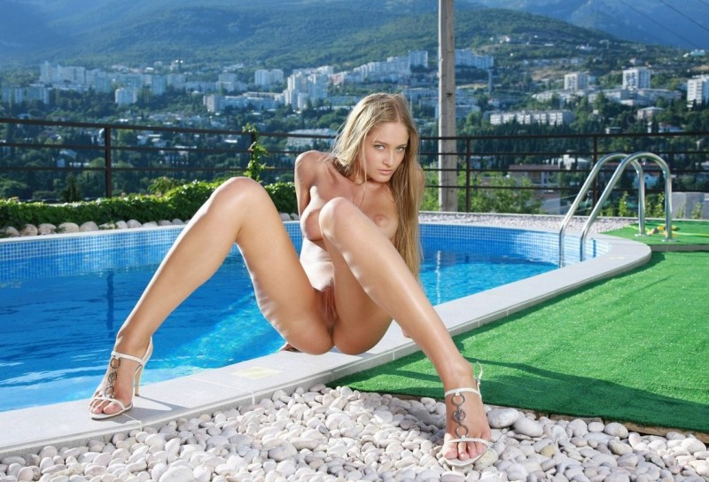 Veronika na piscina